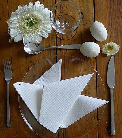 Pliage De Serviette De Table En Forme De Colombe, Réaliser Une Colombe Avec  Une Serviette