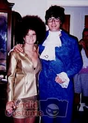 Austin Powers u0026 Foxxy Cleopatra - Halloween Couples Costume Idea #Funny Couple Halloween Costume Ideas  sc 1 st  Pinterest & Austin Powers u0026 Foxxy Cleopatra - Halloween Couples Costume Idea ...