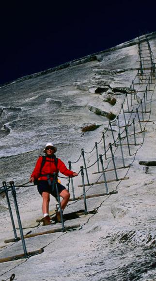 Die gefährlichsten Wanderwege der Welt http://www.travelbook.de/welt/China-Spanien-Vietnam-USA-Die-gefaehrlichsten-Wanderwege-der-Welt-578022.html