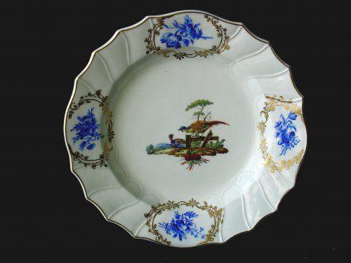 Assiette En Porcelaine Tendre De Tournai Belgique Decore A La Haye