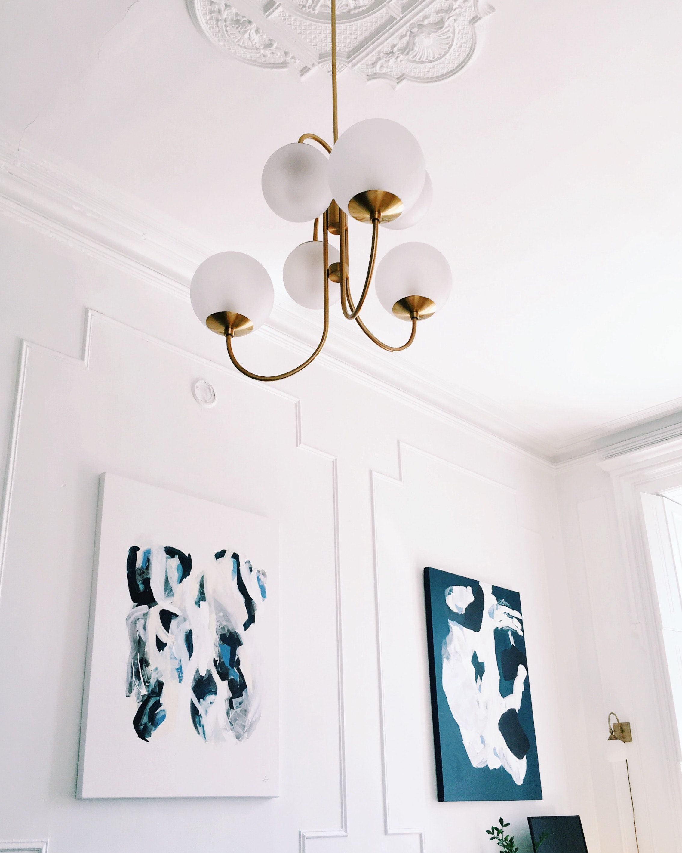 Square Room Interior Design: A Thoughtfully Styled 500-Square-Foot Montreal Studio