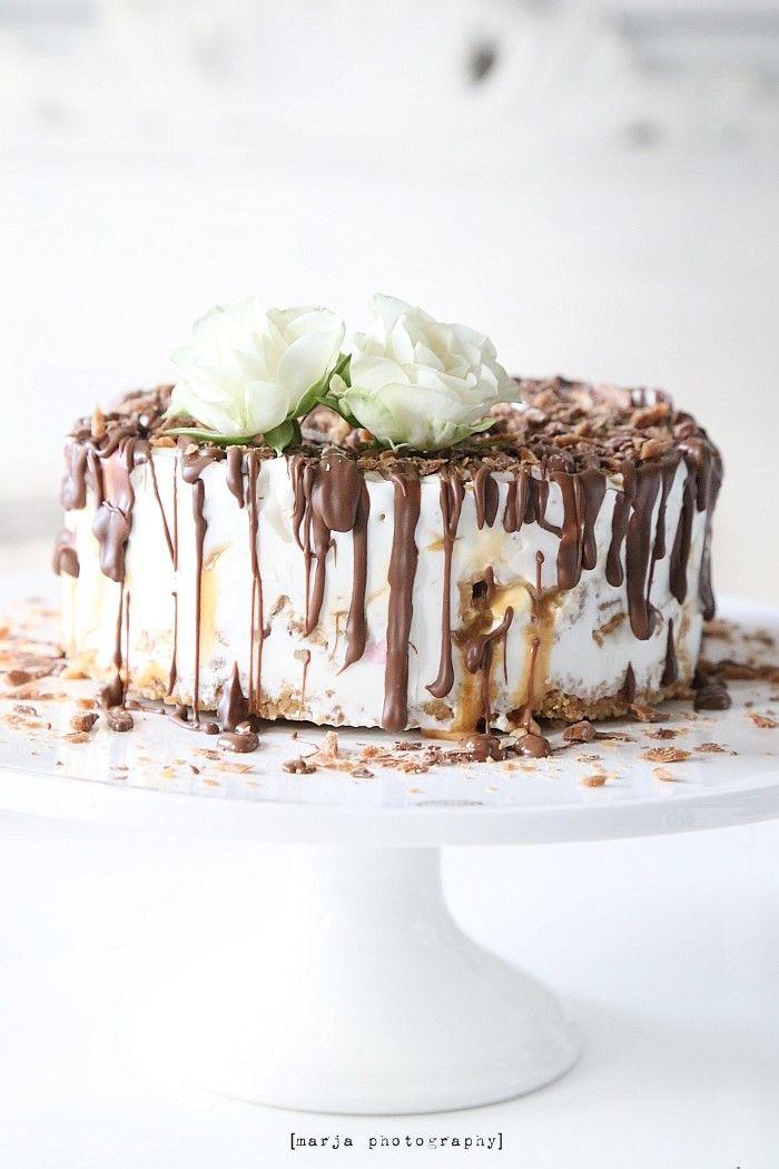 sweet and salty ice cream cake.