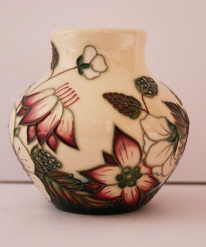 Details about Moorcroft Pottery Bramble Revisited Vase Pot 35/3 7cm