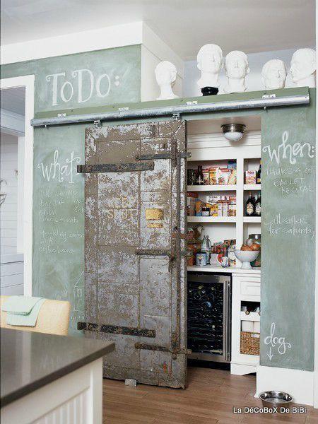 Porte Coulissante Pour Cacher Le Coté Technique Jadoore Ce Mur - Meuble cuisine coulissant pour idees de deco de cuisine