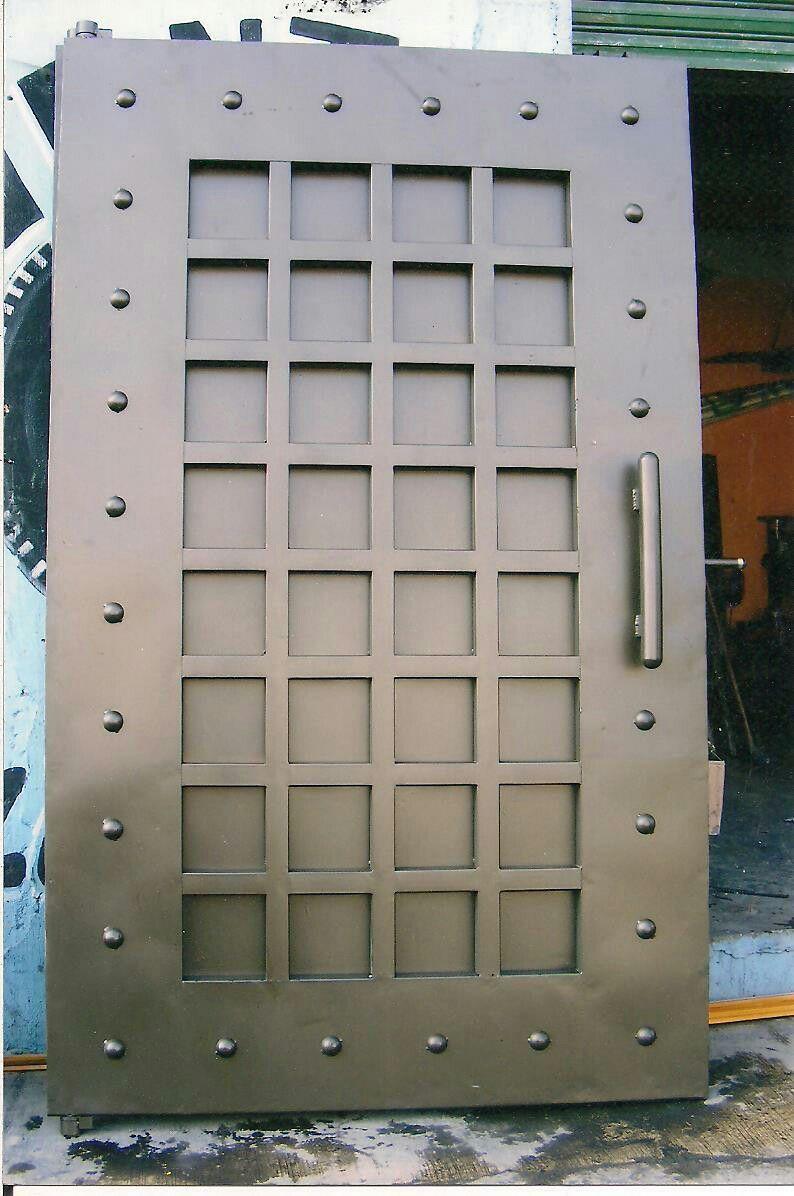 Puertas De Lujo Framk Puertas Metalicas Exterior Diseno De Puertas Modernas Puertas De Metal