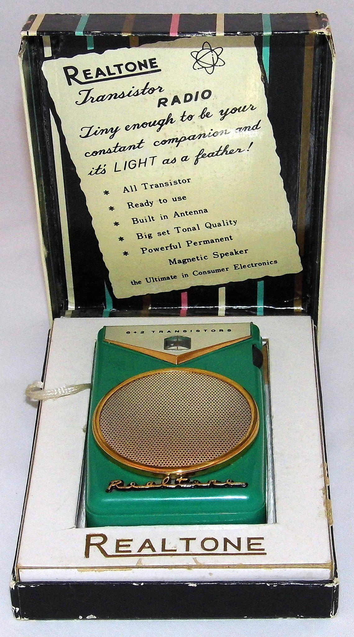 Vintage Realtone Transistor Radio Model Tr 801 Am Band 6 Transistors Made In Japan Circa 1959 Transistor Radio Vintage Vintage Radio Antique Radio