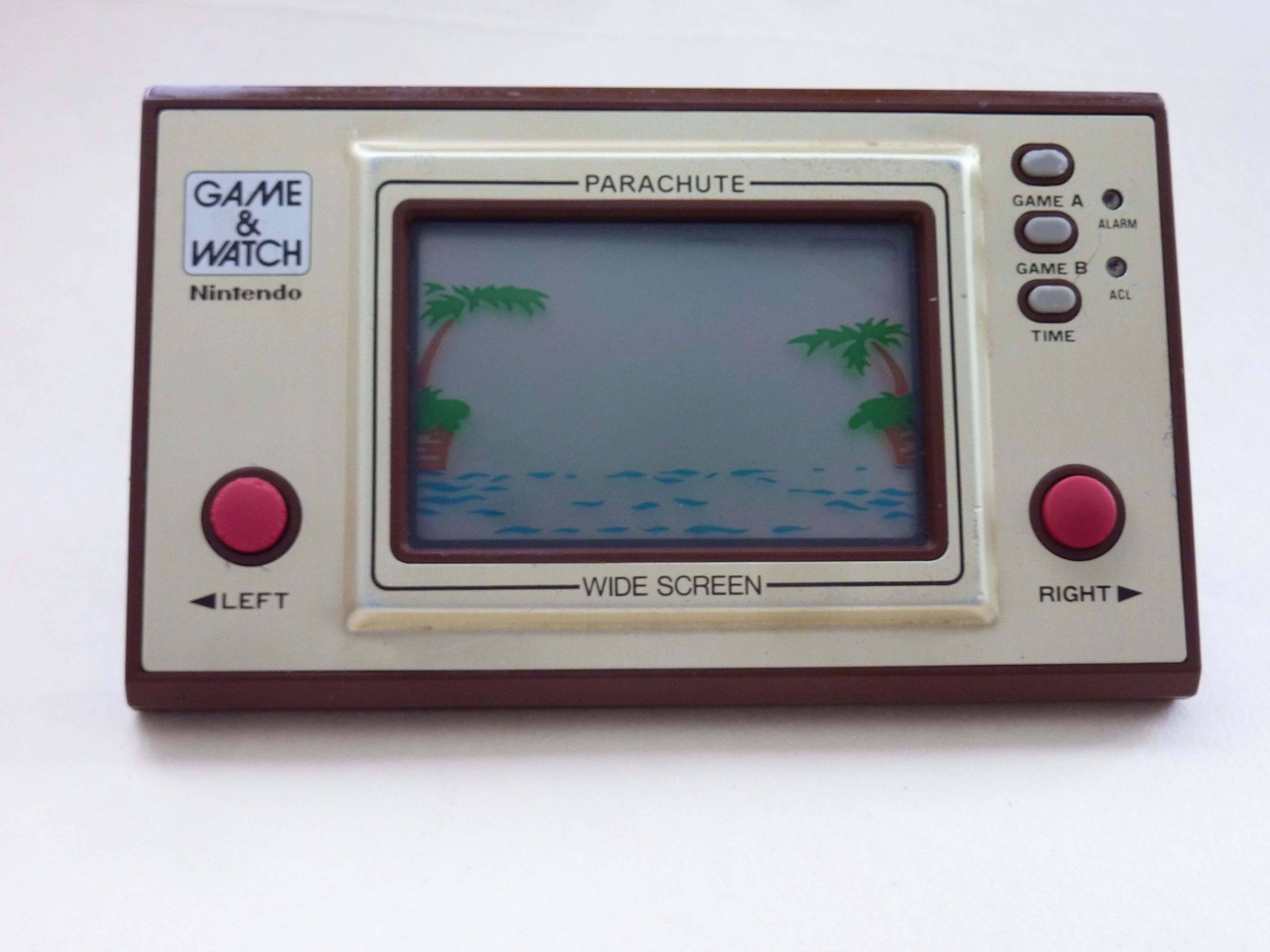 Game and Watch, parachute game. Image from wikipedia.