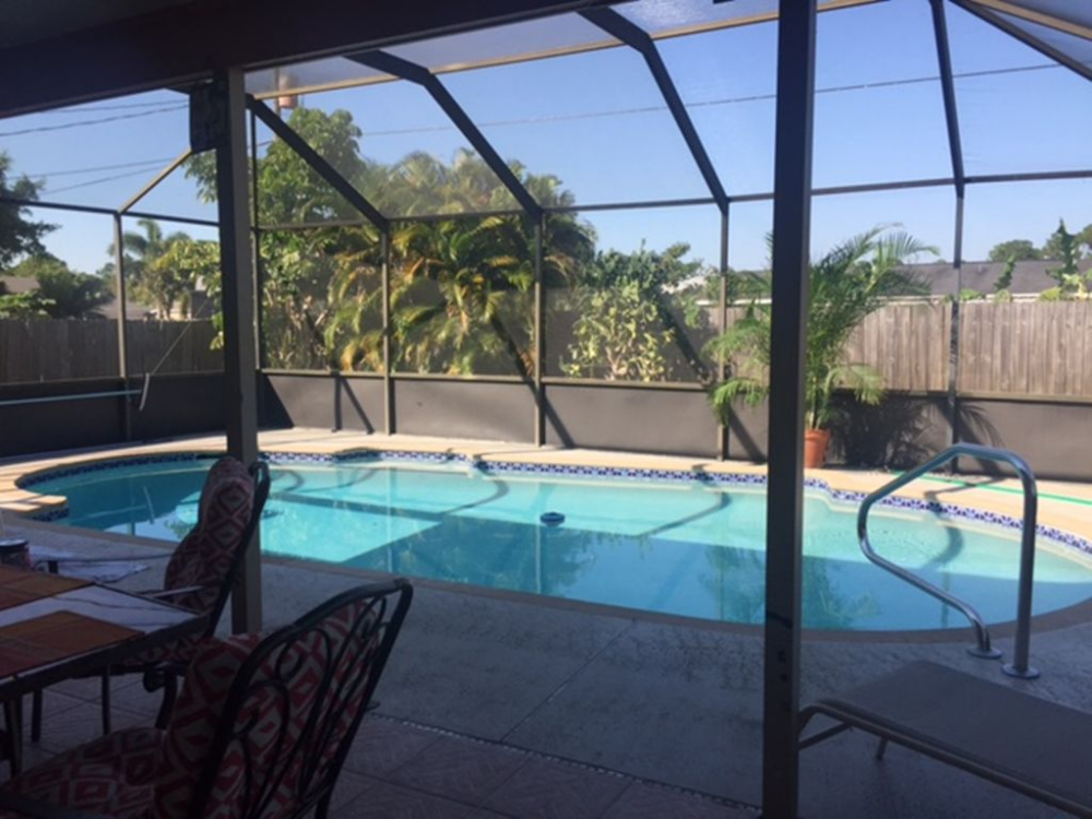 House 79 Avg Night Port Saint Lucie Amenities Include Swimming Pool Air Conditioning Internet Tv Satellite Screened Pool Pool Patio Pool