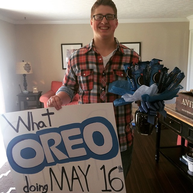 Proposal Ideas That Will Make Her Cry: Oreos Are Her Favorite! #promposal