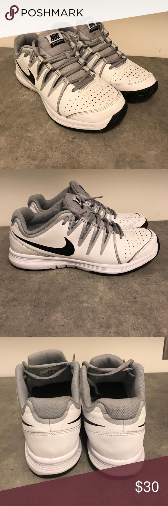 Nike Vaporcourt Tennis Shoes Men S Nike Vapor Court Tennis Shoe For The Tennis Player Who Enjoys A Lightweight Ride With A Na Shoes Mens Tennis Shoes Nike Men