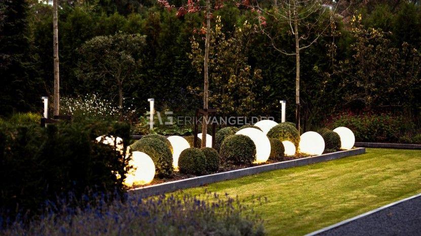 Bollen verlichting moon light maanbollen tuin bollamp design design bollampen buxus bollen met - Buitenverlichting design tuin ...