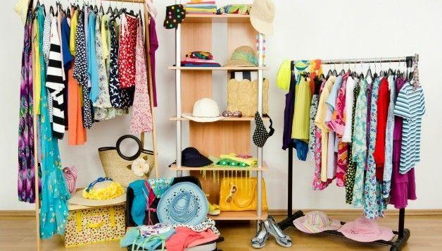Pack Like Martha Stewart with these Home Organization Tips #summerhomeorganization Organise your home for easy packing #summerhomeorganization