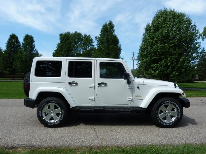 Review 2012 Jeep Wrangler Unlimited Sahara (With images