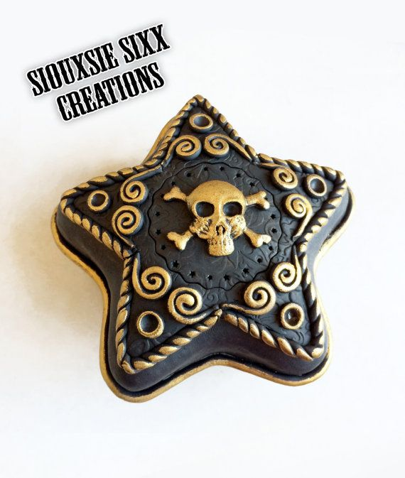 Handmade Polymer Clay Star Shaped. Golden Covered Tin Skull Trinket Box by SiouxsieSixxCreation