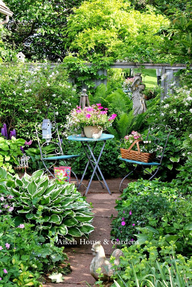 How to Make Your Garden Lush | Gardens, Garden ideas and Flowers