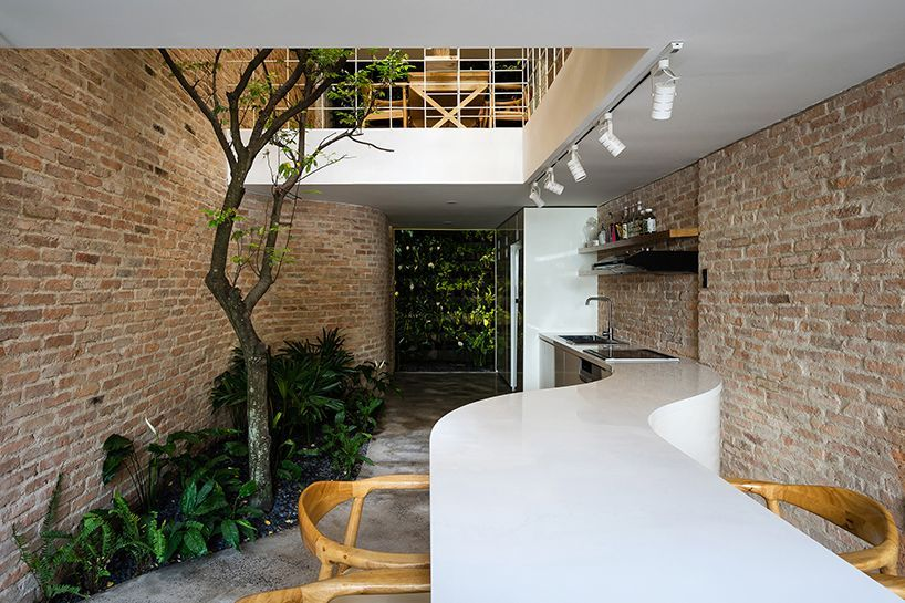 block-architects-lee-and-tee-house-vietnam-designboom-02 | Cocinas on rough house, iron house, tool house, art house, make house, move house, crazy tree house, silver house, pet house, wedge house, tile house, black house, golf house, canvas house, ten house, label house, chocolate house, fairy like tree house, copper house, tea house,