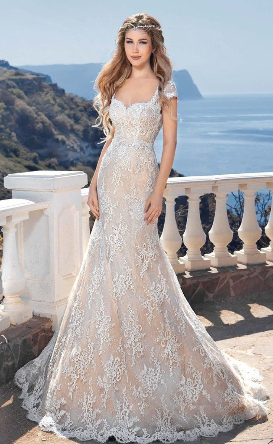Backless beach wedding gown lace mermaid bride dress hourglass