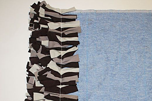 Upcycled T Shirt Rug Tutorial Diy Refashioned Clothes