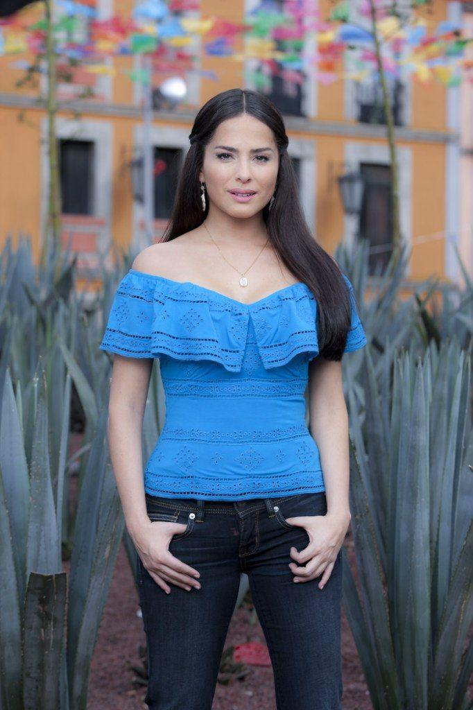 Latino milf photoshoot