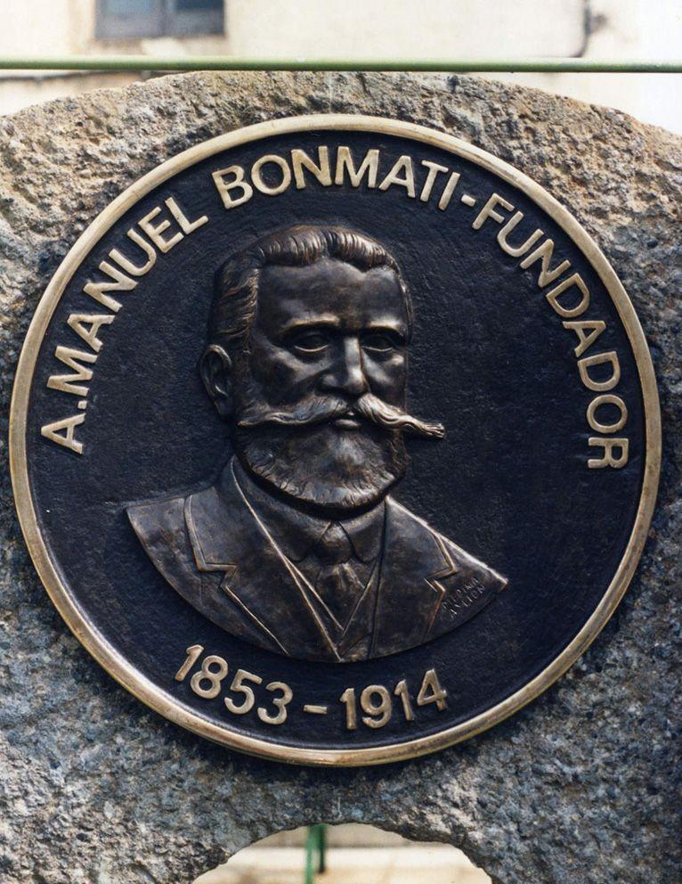 Monumento en Bonmatí (Girona)