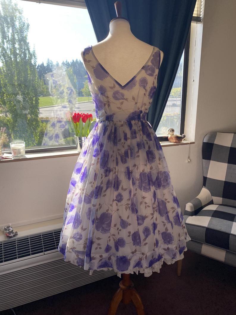 1950s Floral Summer Dress S M Etsy Summer Dresses Floral Dress Summer Dresses [ 1059 x 794 Pixel ]