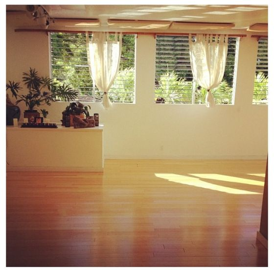 Living Room Yoga Studio Coogee: Beautiful Yoga Studio