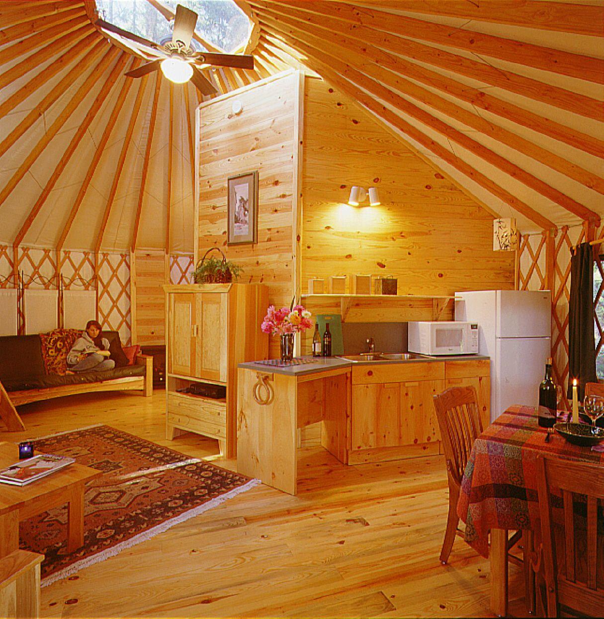 pictursof yurts | deluxe yurt interior at umpqua lighthouse state
