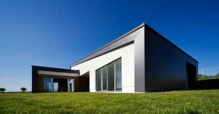 Estupenda casa moderna jardines jard n pinterest for Casa moderna jardines