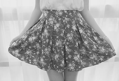 Nice Floral stamp. #skirt #fashion