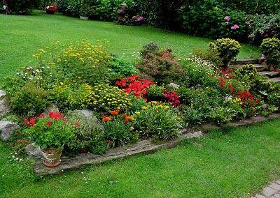 Jardines en desnivel buscar con google jardines - Paisajismo jardines pequenos ...