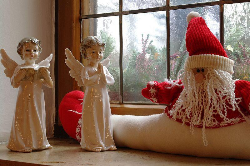 Weihnachtsengel im Waldgasthof Buchenhain - in liebevoll dekorierten Gaststuben empfängt das Team vom Gasthaus bei München seine Gäste im Advent und an den Weihnachtsfeiertagen.