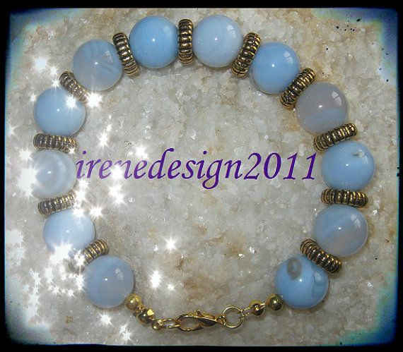 Beautiful Handmade Gold Bracelet with Lace Agate Do you like this bracelet? I would love to know, thanks :-D You can find this and other beautiful Jewelry & Accessories in my Etsy Shop I just l...