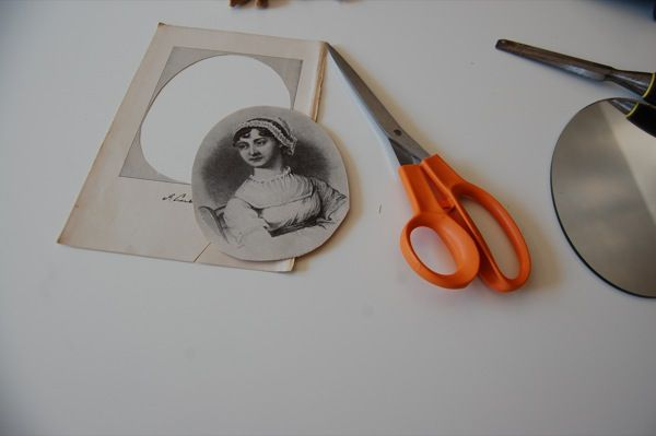 DIY Make a spooky #halloween mirror