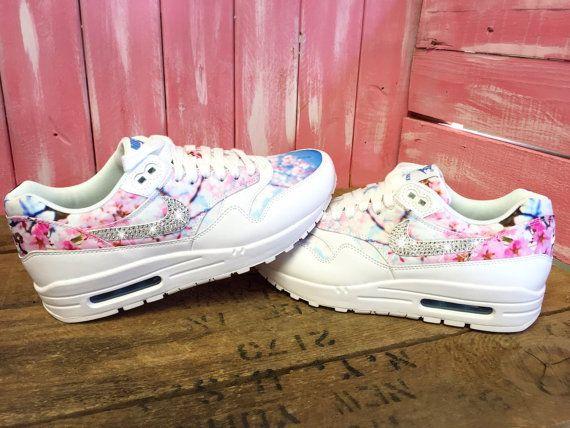 Blinged Cherry Blossom Frauen Nike Air Max 1 Laufschuhe