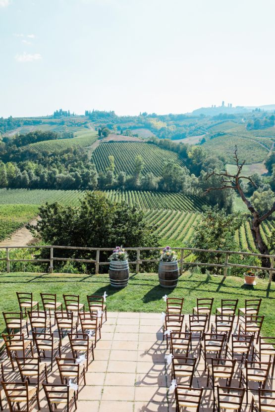 Beautiful Destination Wedding In Tuscany Planned On A Budget