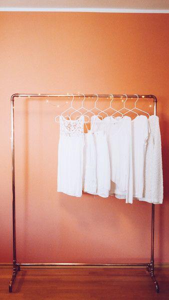 Minimalistic Kleiderstangen Aus Kupfer Retro Und Vintage