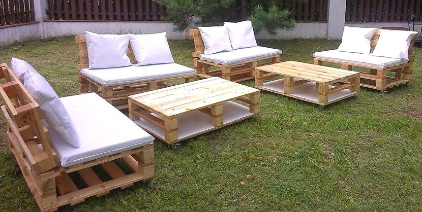 20 mod les de salons de jardin fabriqu s en bois de palettes outdoor living pallet pallet. Black Bedroom Furniture Sets. Home Design Ideas