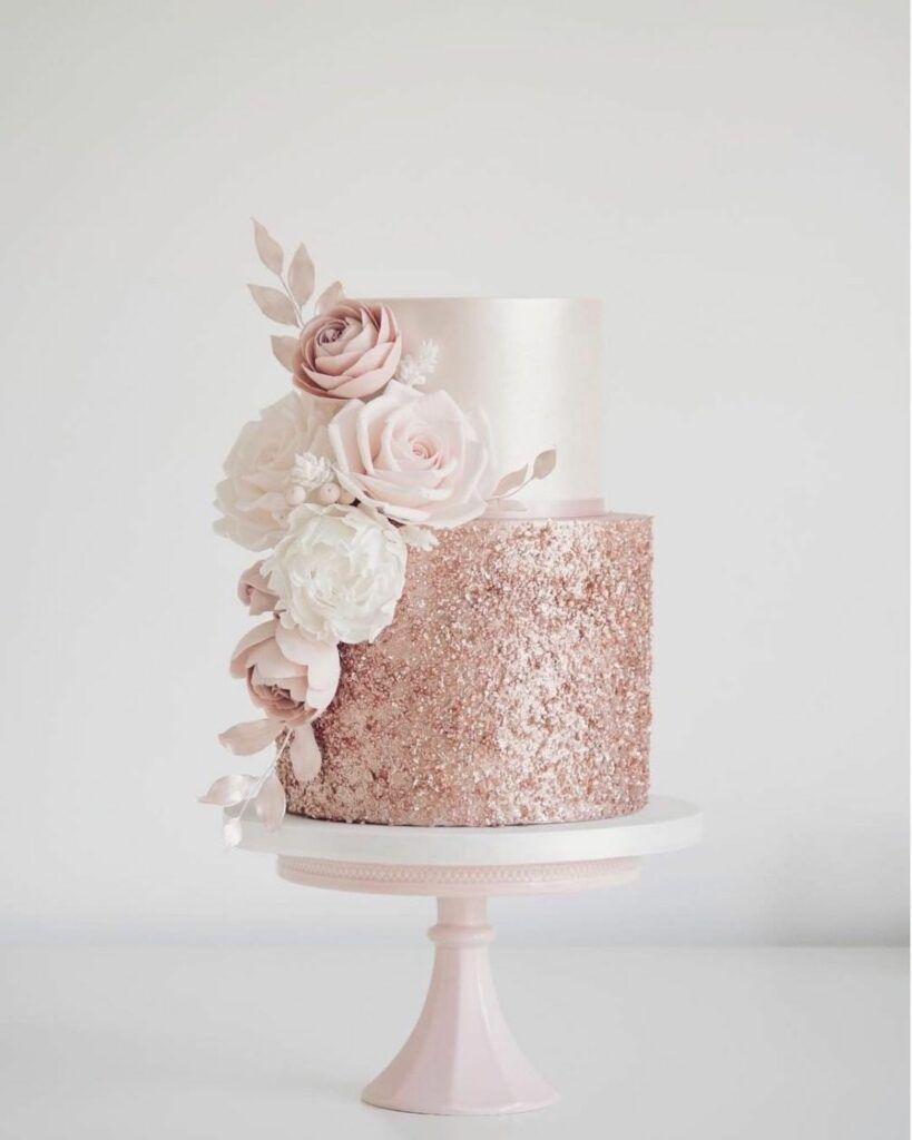 Freshest Ideas And Wedding Trends 2020 – Elegant Wedding Cakes White Roses Bling Powder -   11 cake Decorating gold ideas