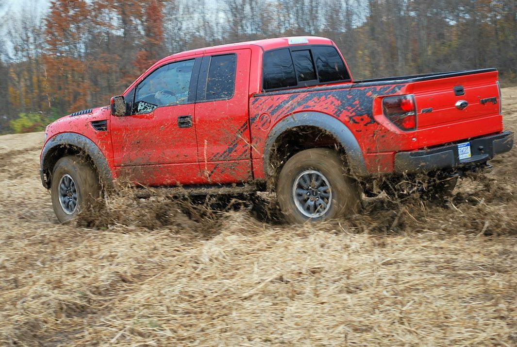 ford raptor lifted mudding
