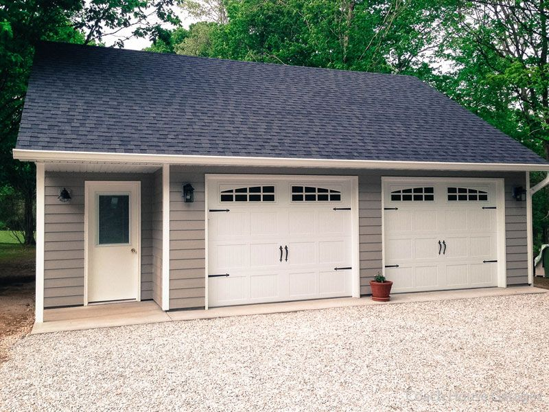 26 X 30 Garage In Indianapolis Indiana Features Reverse Gable Roof 8 12 Roof Pitch Sprea Carriage House Garage Garage Guest House Detached Garage Designs