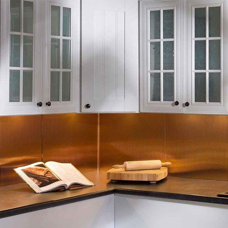 wandpaneele-küche-küchenspiegel-kupfer-wandverkleidung
