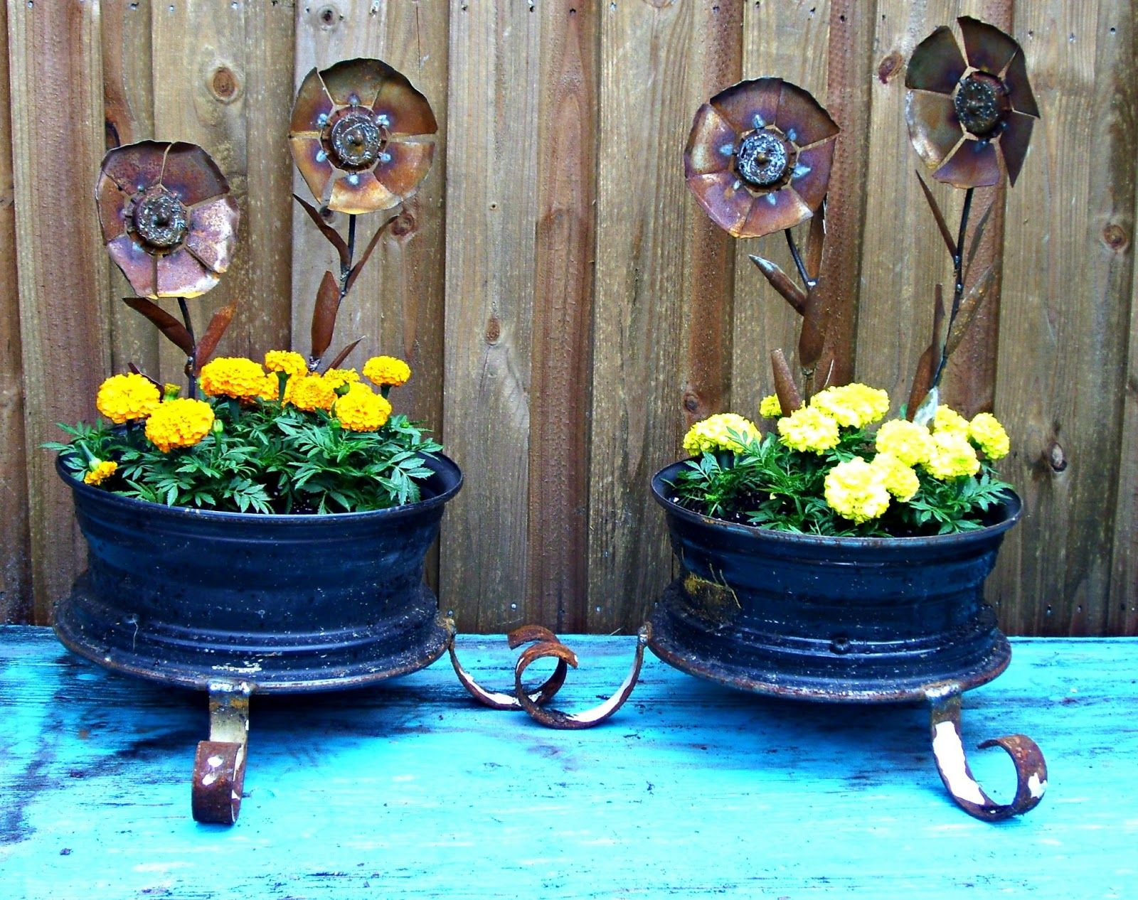 Crafts from car tires - from flowerpots to swing 56