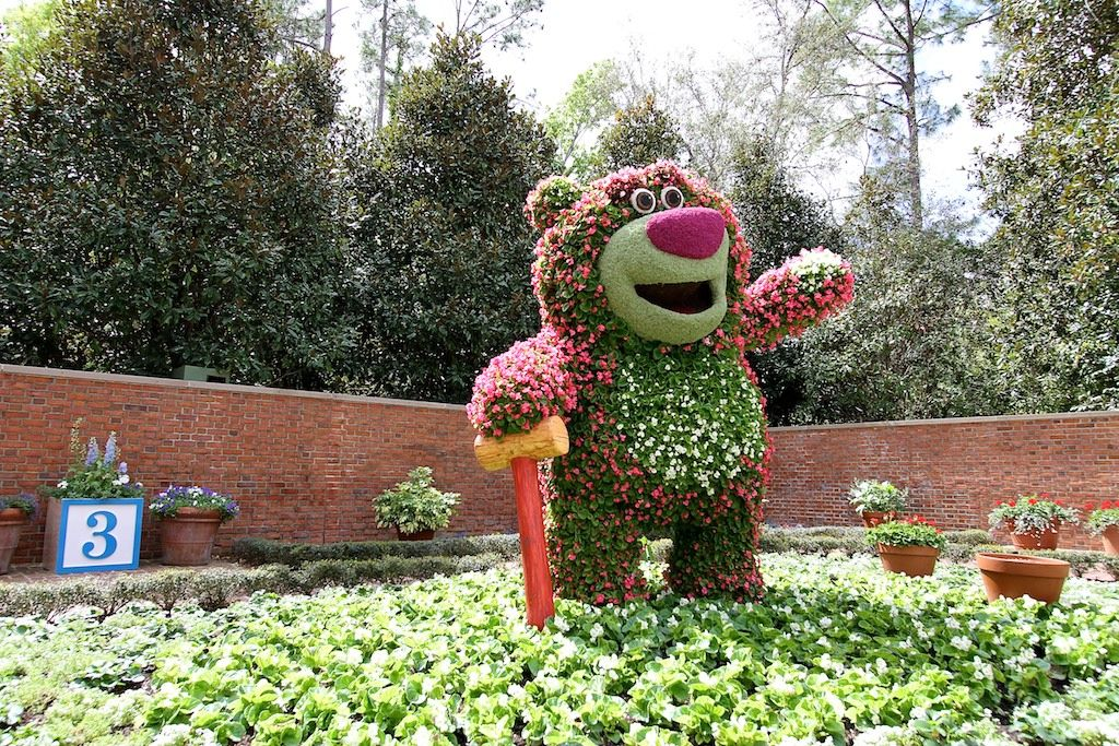 International Flower And Garden Festival   Lotso Topiary In The American  Adventure Pavilion