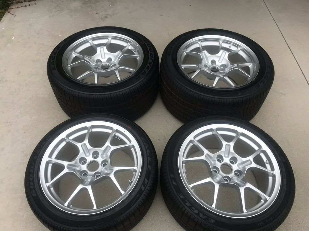 Advertisement Ebay Ford Gt40 Oem 2005 2006 Wheels And Tires