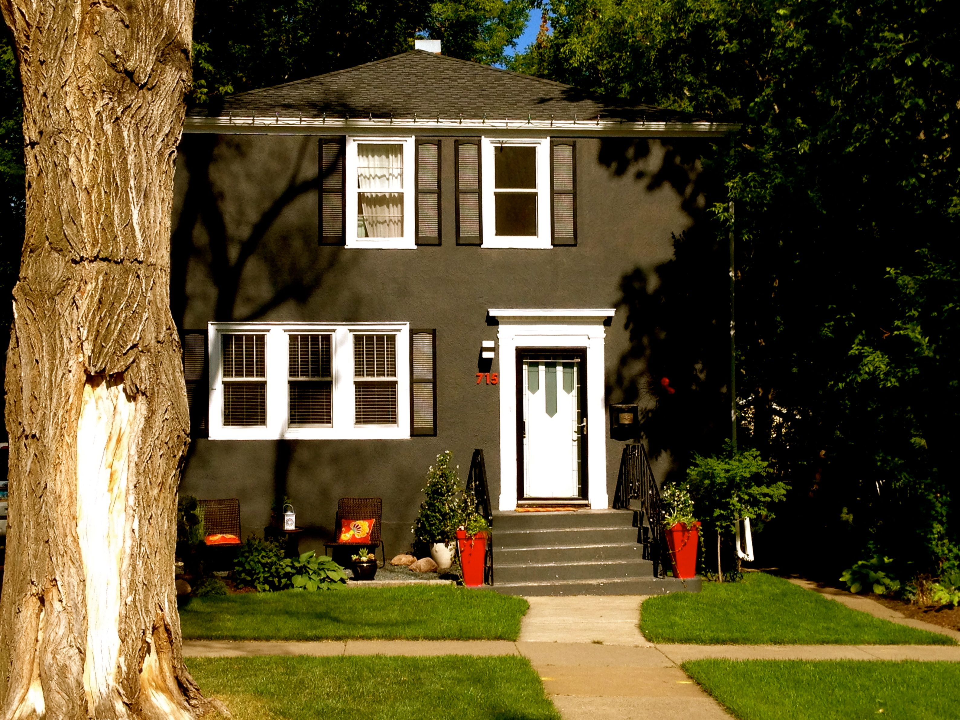 Top 20 Brown Houses With White Trim Light Dark Exterior Ideas House Painting Cost House Painting Stucco Homes