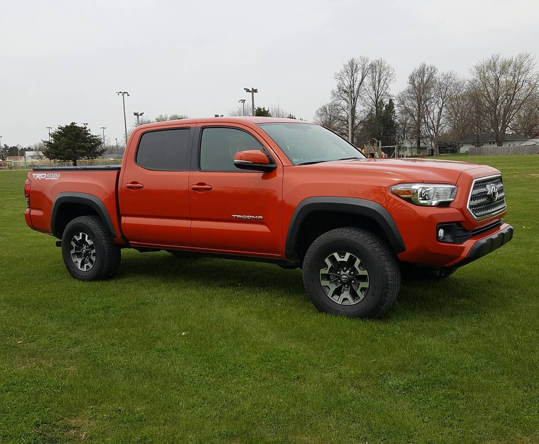 this week s review is the 2016 toyota tacoma trd off road tacoma rh pinterest ie
