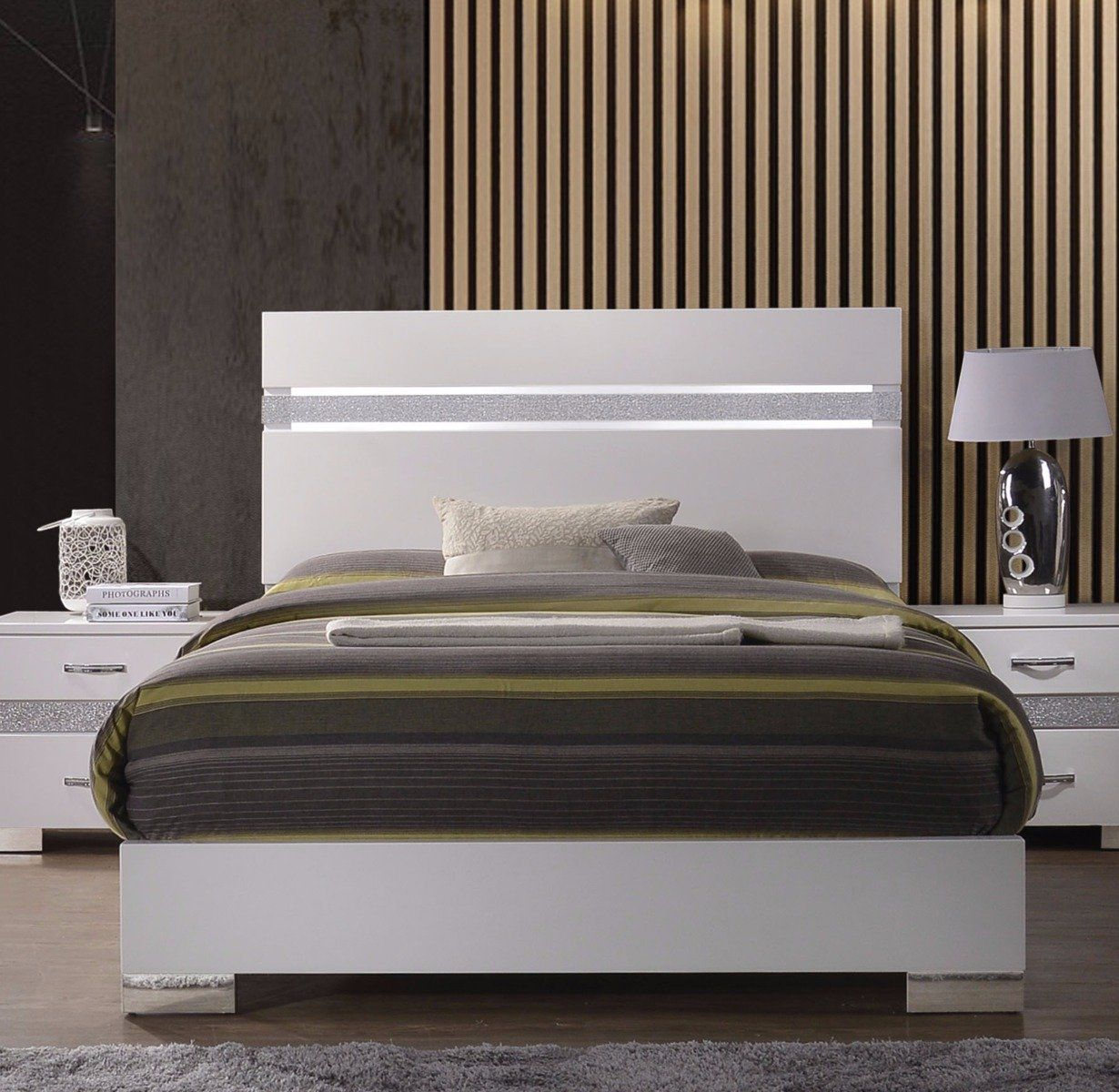 Best Acme Naima White High Gloss King Panel Bed In 2019 King 400 x 300
