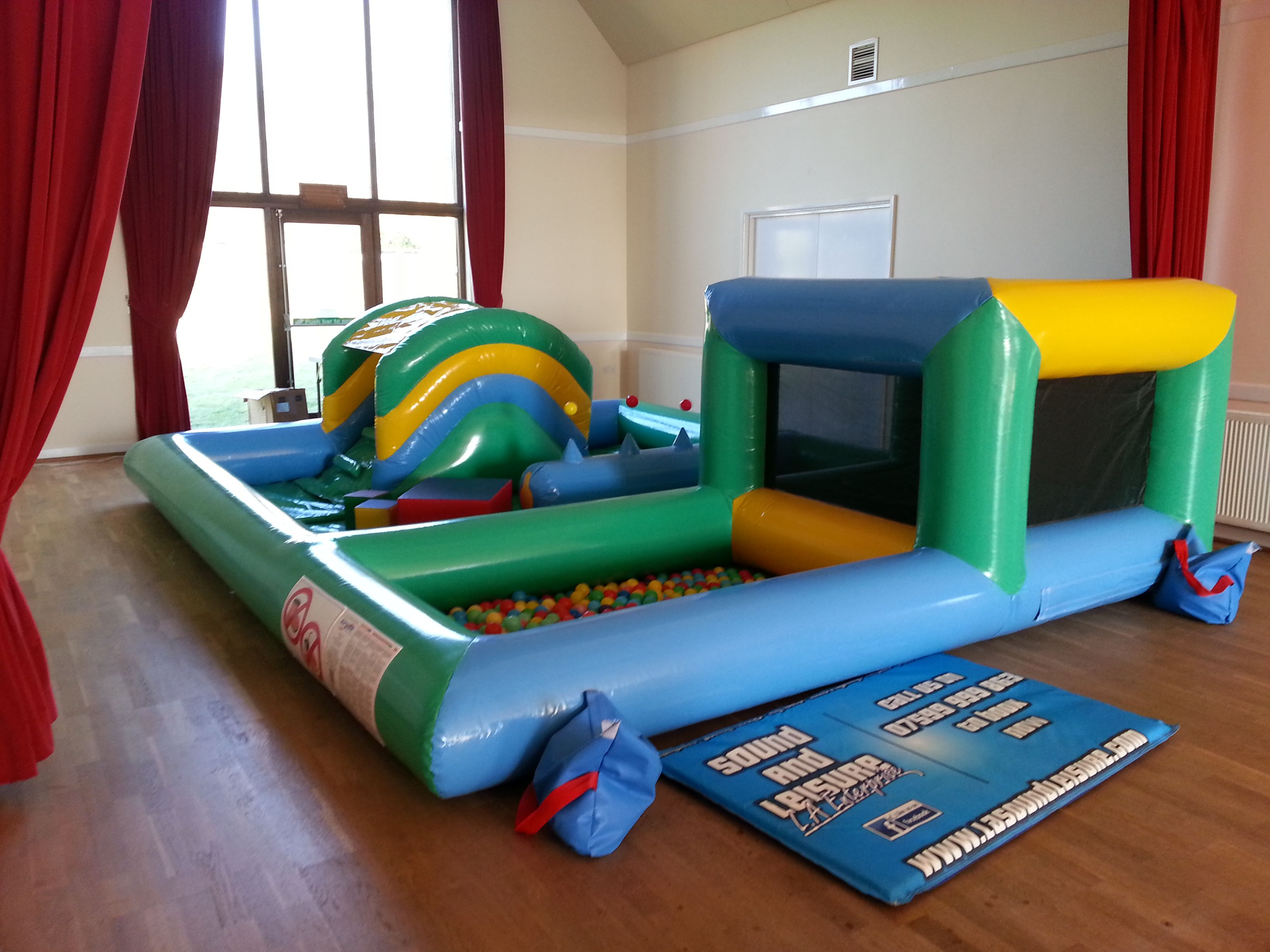 inflatable toddler play zone this unique and rather cool unit is rh pinterest co uk