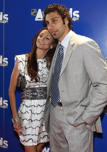 Roberto Luongo And His Wife Gina Luongo Goalies Hockey Wife