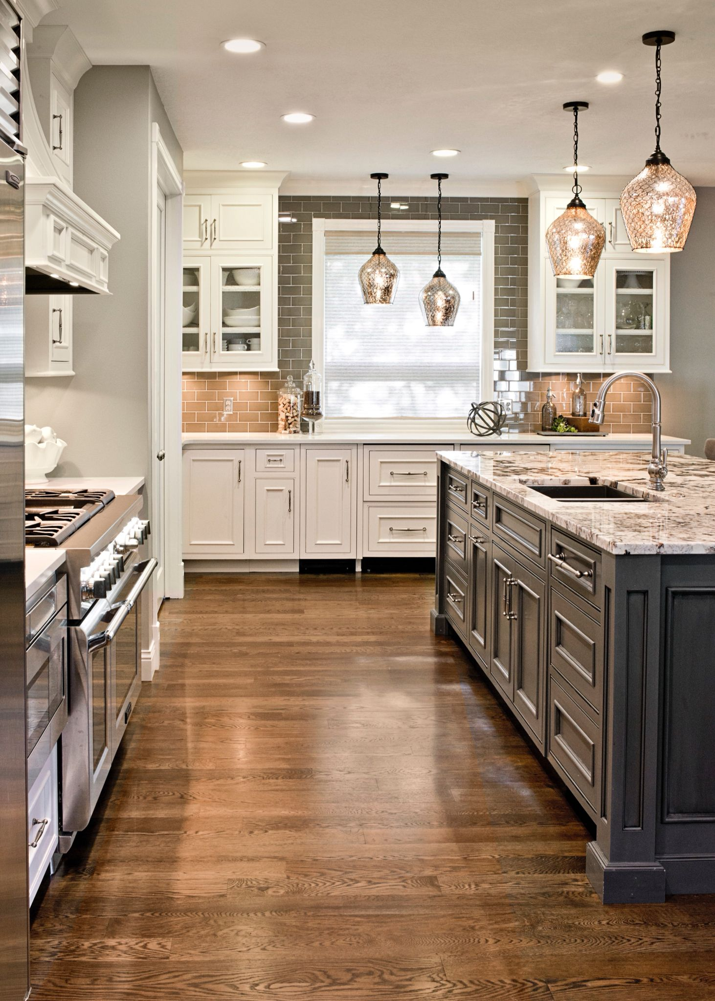 Gray Island And White Cabinets Granite Top White Oak Floor With Ebony Stain Kitchen Backsplash Designs Kitchen Tile Backsplash With Oak Wood Floor Kitchen